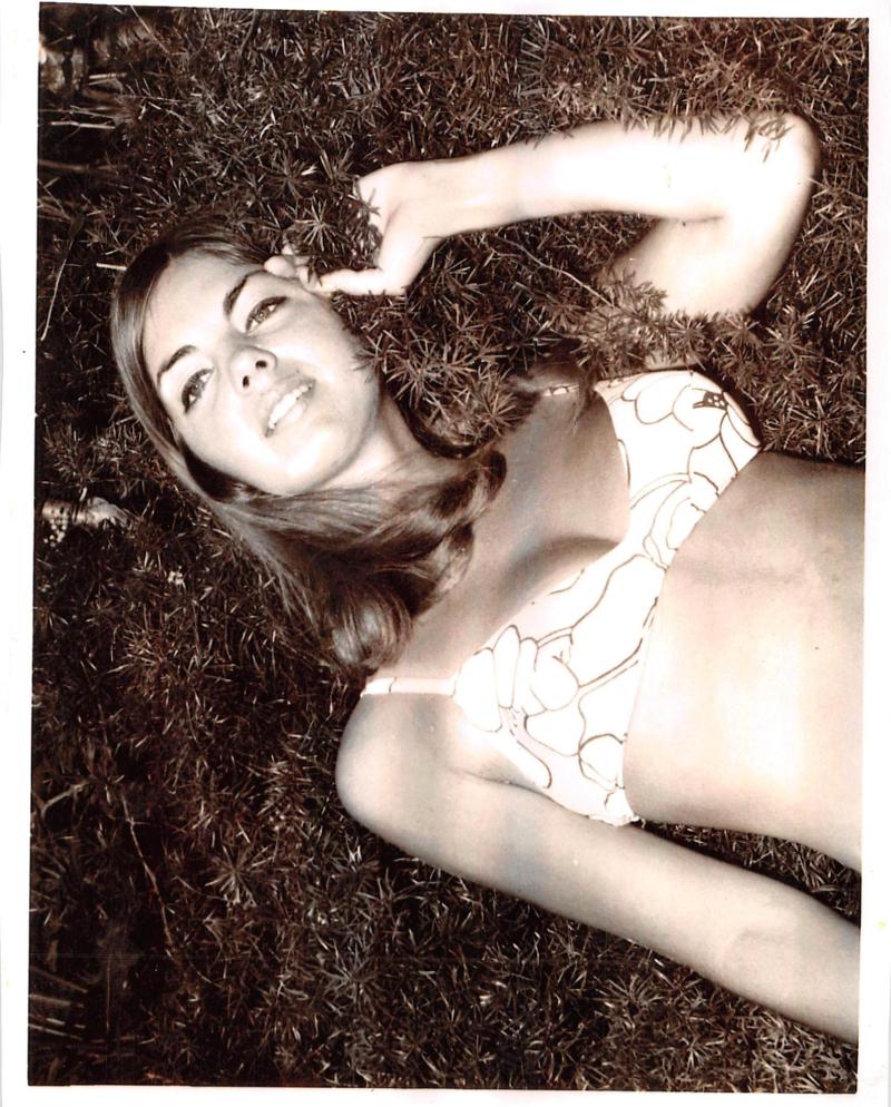 Diane model photo 1